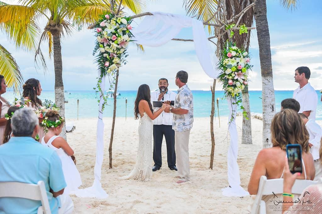 islamujeres-buhos-weddingphotography-courtneyneal32