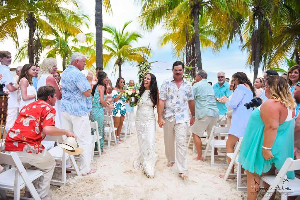 islamujeres-buhos-weddingphotography-courtneyneal35