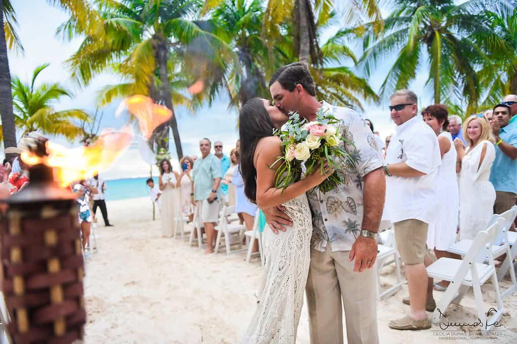 islamujeres-buhos-weddingphotography-courtneyneal36