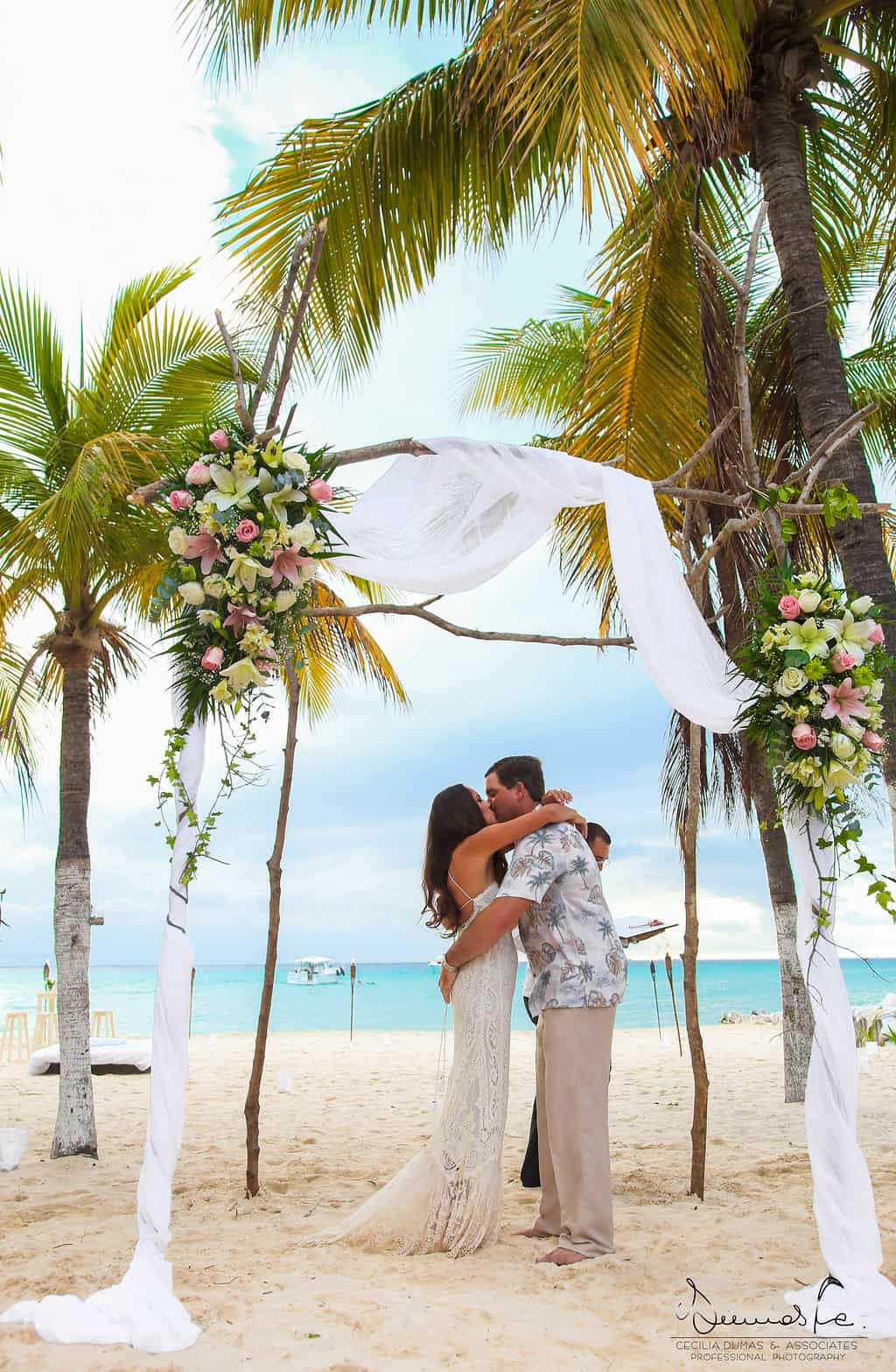 islamujeres-buhos-weddingphotography-courtneyneal39