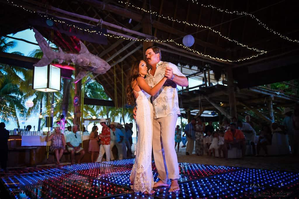 islamujeres-buhos-weddingphotography-courtneyneal60