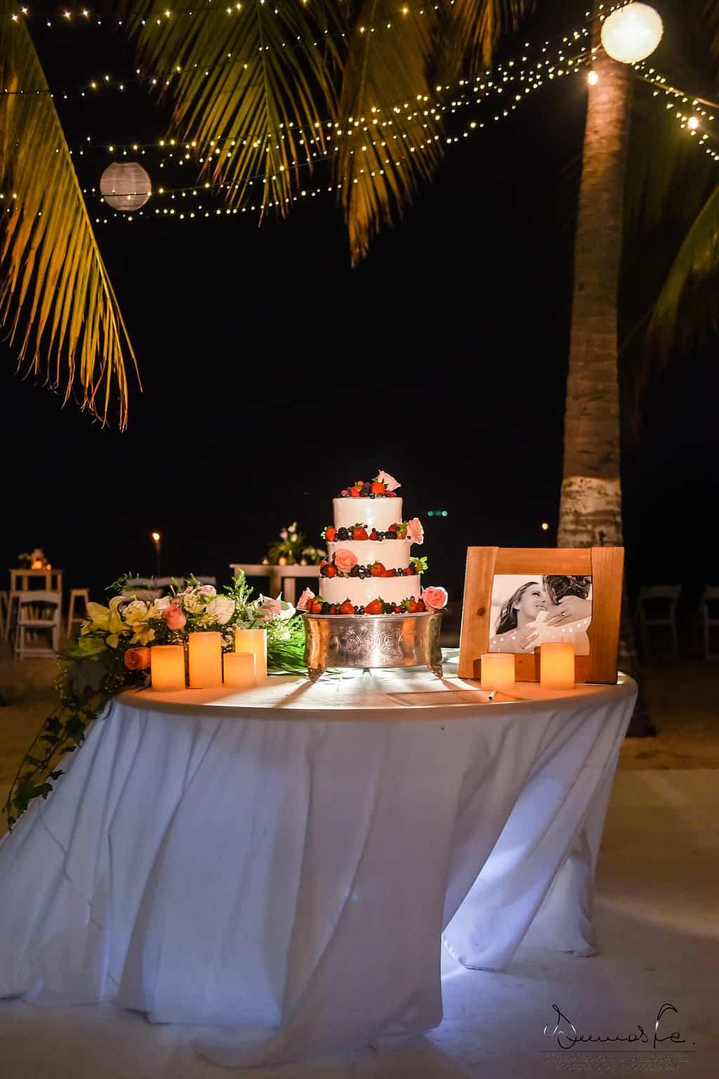 islamujeres-buhos-weddingphotography-courtneyneal77