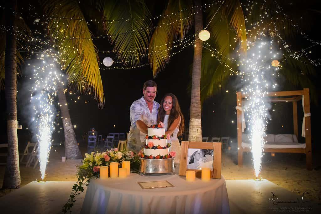 islamujeres-buhos-weddingphotography-courtneyneal78