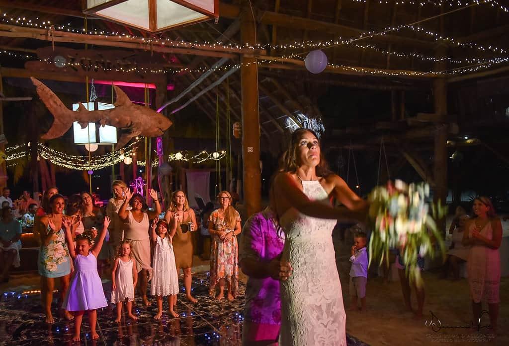 islamujeres-buhos-weddingphotography-courtneyneal87