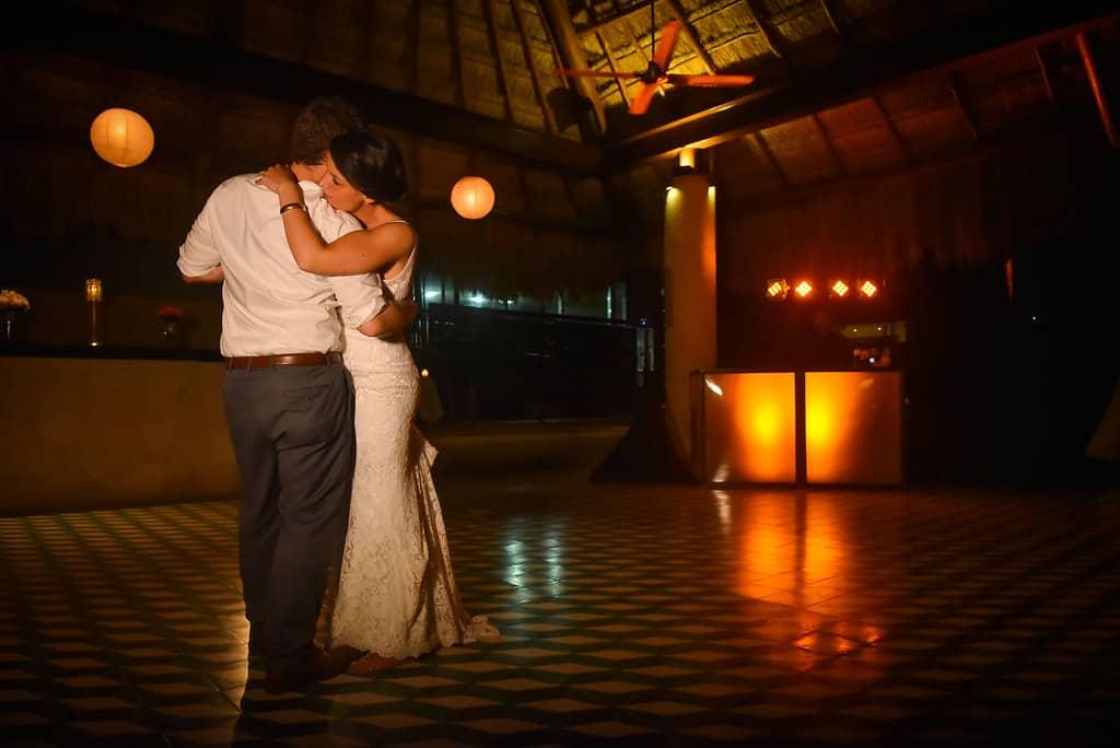 IslaMujeres-Zama-weddingphotographer-HannaEric116