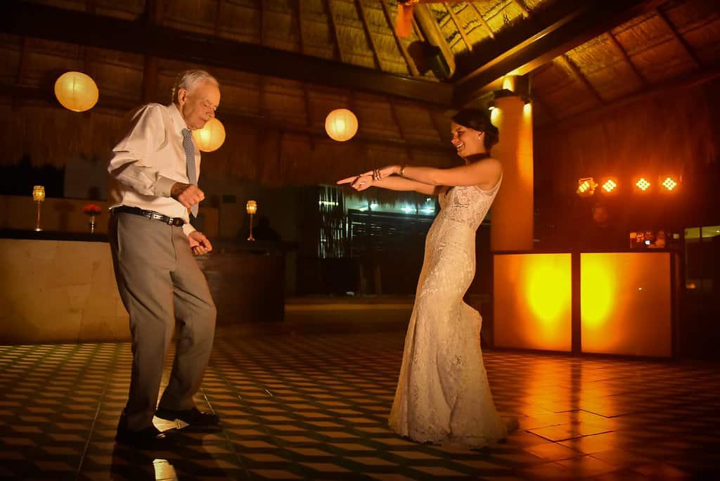 IslaMujeres-Zama-weddingphotographer-HannaEric118
