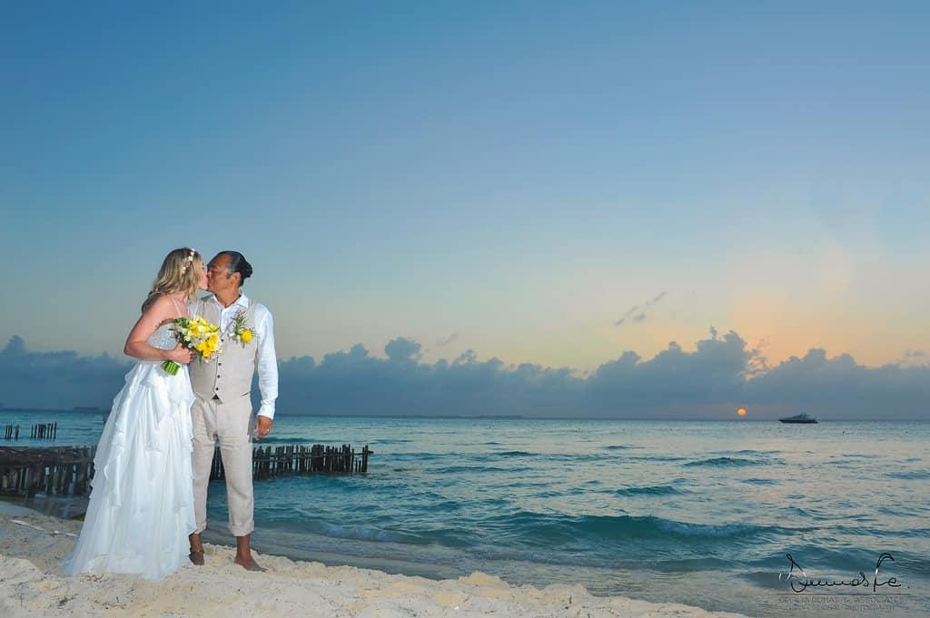 islamujeres-buhos-weddingphotography-heathermel93
