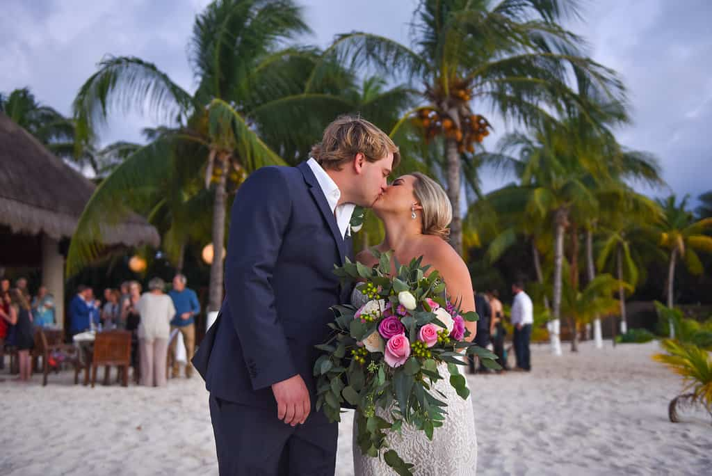 islamujeres-zama-weddingphotographer-courtneybritt100