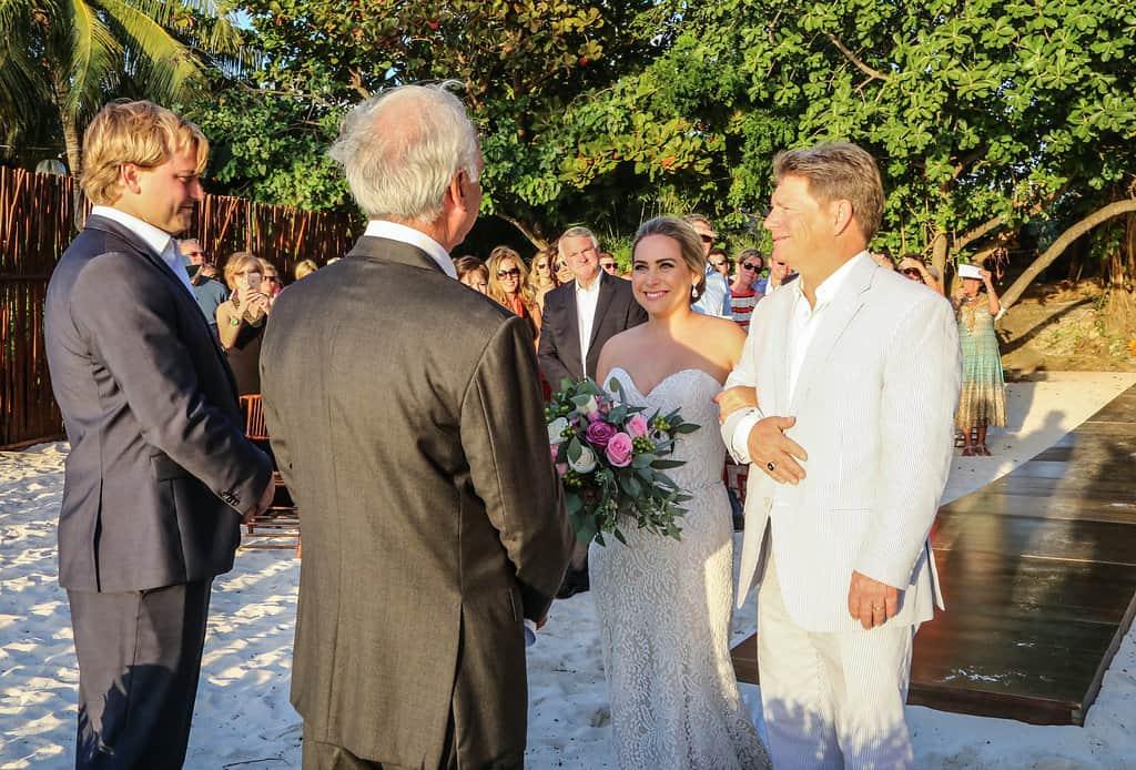 islamujeres-zama-weddingphotographer-courtneybritt81