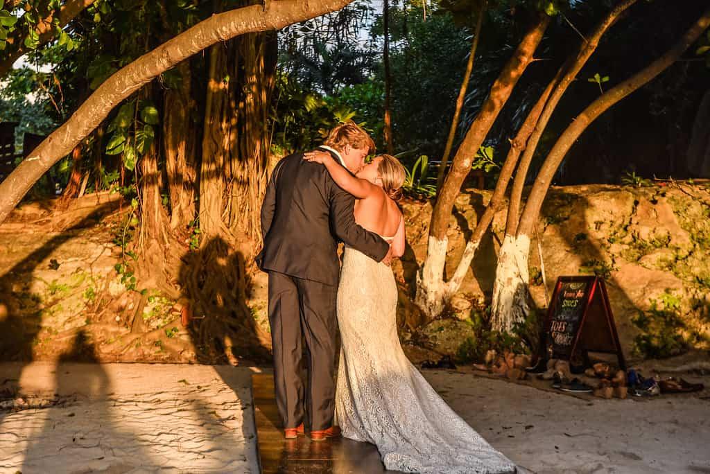 islamujeres-zama-weddingphotographer-courtneybritt89